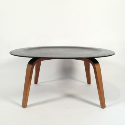 ctw3 coffee table by charles u0026 ray eames for herman miller 1950s
