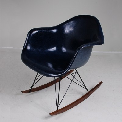 Rocking chair by charles ray eames for vitra 1960s 13355 for Rocking chair eames vitra