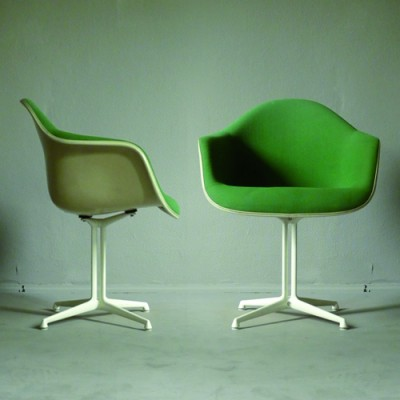 2 La Fonda Armchair dinner chairs from the fifties by Charles & Ray Eames for Herman Miller