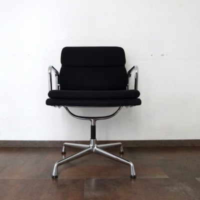 EA208 Office Chair by Charles and Ray Eames for Vitra