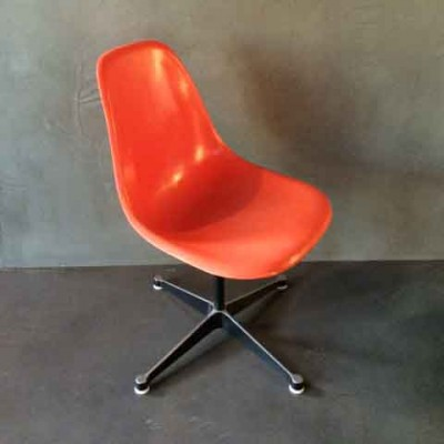 PSC Dinner Chair by Charles and Ray Eames for Vitra