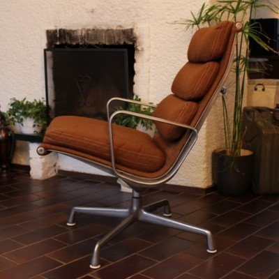 Soft Pad EA 126 Office Chair by Charles and Ray Eames for Herman Miller