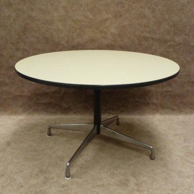 Nr. 1 Dining Table by Charles and Ray Eames for Herman Miller