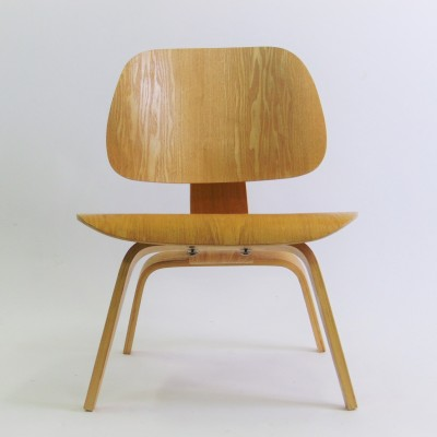 DCW Dinner Chair by Charles and Ray Eames for Herman Miller