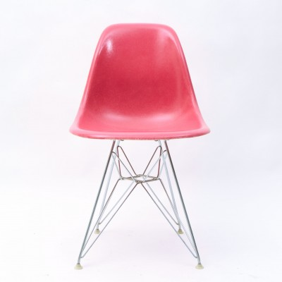 DSR Dinner Chair by Charles and Ray Eames for Herman Miller