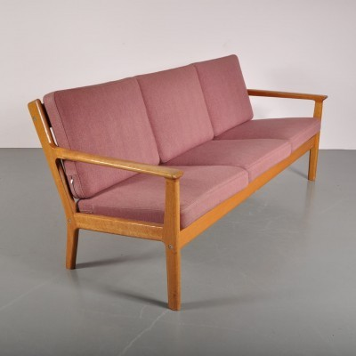 Sofa by Hans Wegner for Getama