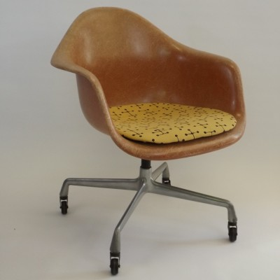 Armchair Low Office Chair by Charles and Ray Eames for Herman Miller