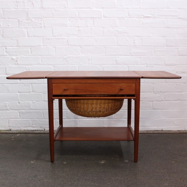 AT 33 Side Table by Hans Wegner for Andreas Tuck