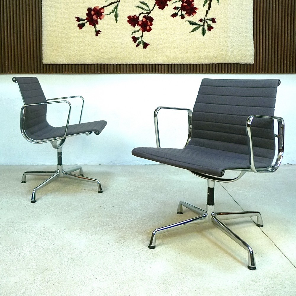 EA 104 Aluminium Group Office Chair by Charles and Ray Eames for Vitra