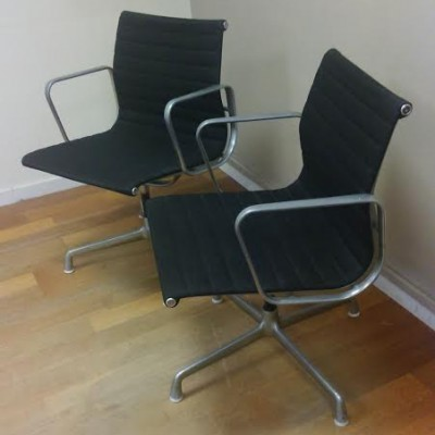 Ea 107 108 office chair by charles and ray eames for for Mobilier international eames