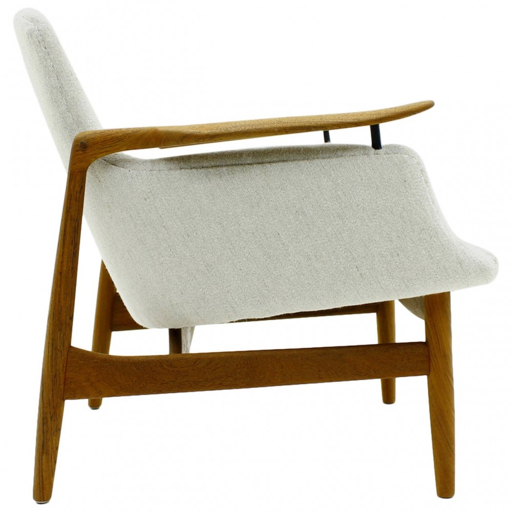 NV 53 Lounge Chair by Finn Juhl for Niels Vodder