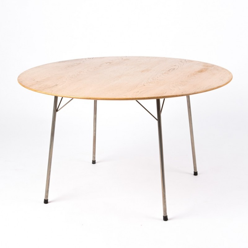 Round Dining Table By Arne Jacobsen For Fritz Hansen 1950s 36442