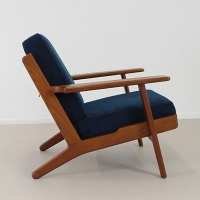 Model 290 Lounge Chair by Hans Wegner for Getama