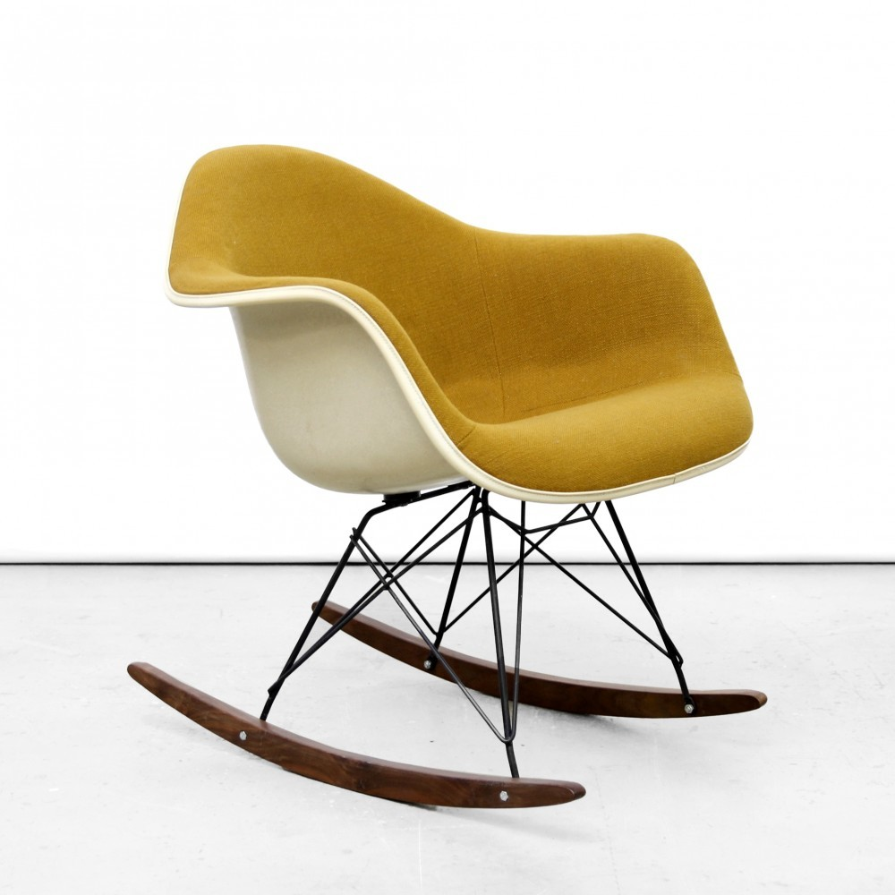 rar rocking chair by charles and ray eames for herman. Black Bedroom Furniture Sets. Home Design Ideas