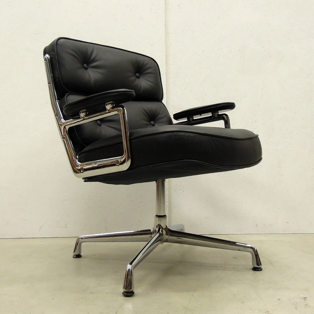 ES108 Office Chair by Charles and Ray Eames for Vitra