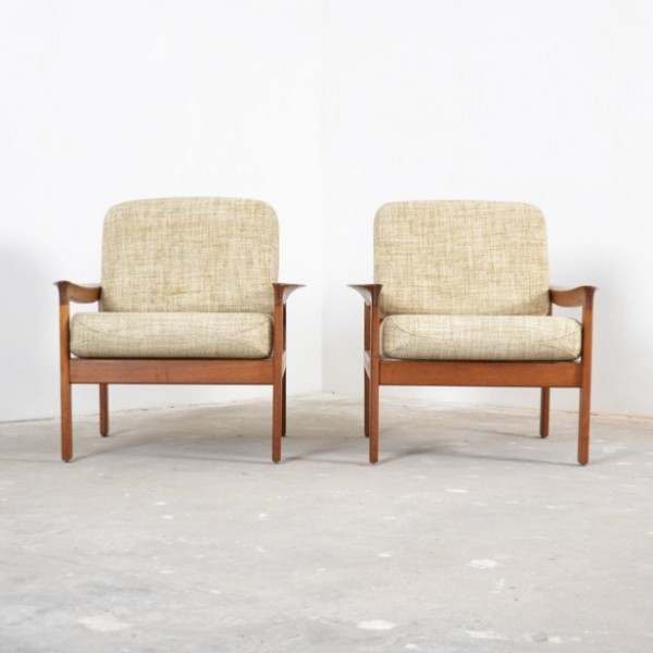 Prime Pair Of Borneo Lounge Chairs By Sven Ellekaer For Komfort Bralicious Painted Fabric Chair Ideas Braliciousco