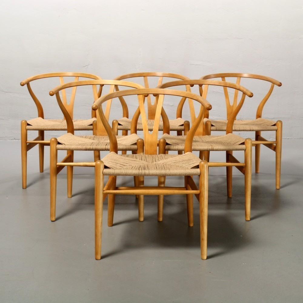 CH24 Wishbone Y-Chair Dinner Chair by Hans Wegner for Carl Hansen and Son