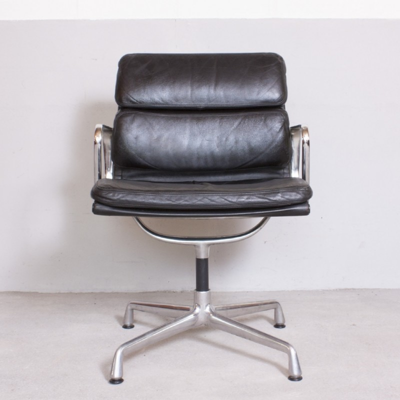 EA 208 Office Chair by Charles and Ray Eames for Vitra