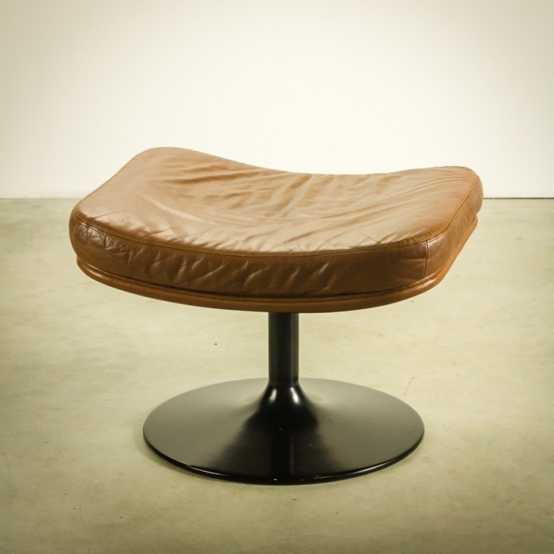 P142 Stool by Geoffrey Harcourt for Artifort