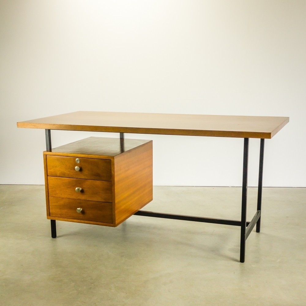 Minor Writing Desk by Pierre Guariche for Meurop