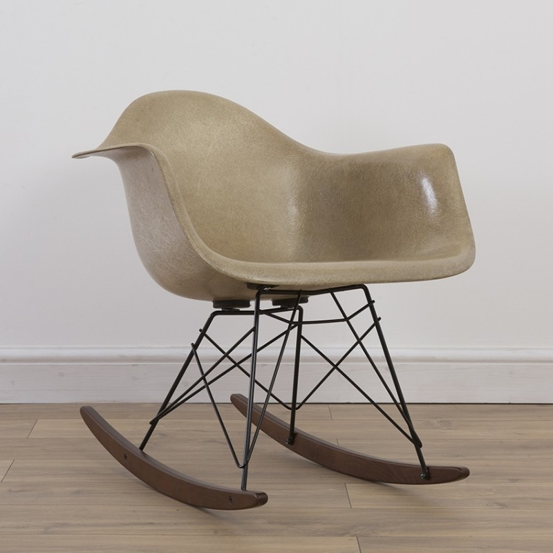1st Generation Rope Edge RAR Rocking Chair by Charles and Ray Eames for Zenith Plastics