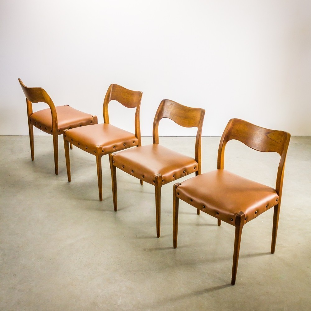 Set Of 4 Model 71 Dinner Chairs By Niels O. Møller For J L Møller, 1950s