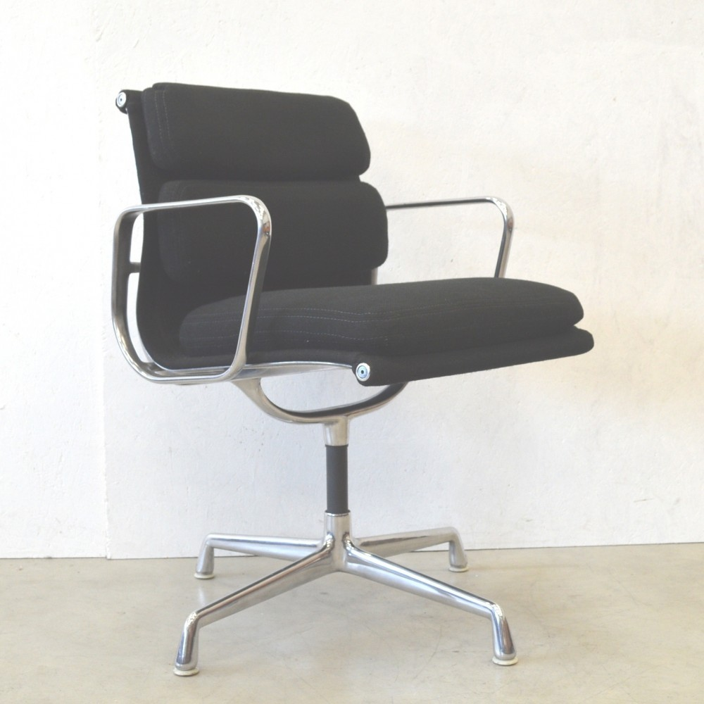 EA208 Office Chair by Charles and Ray Eames for Herman Miller