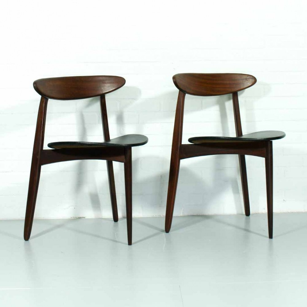 Pair Of Heart Dinner Chairs By Hans Wegner For Fritz Hansen, 1950s