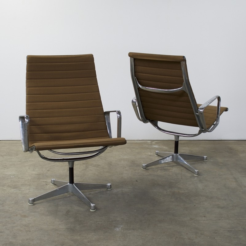 Delightful Pair Of EA 116 Lounge Chairs By Charles U0026 Ray Eames For Herman Miller, 1950s