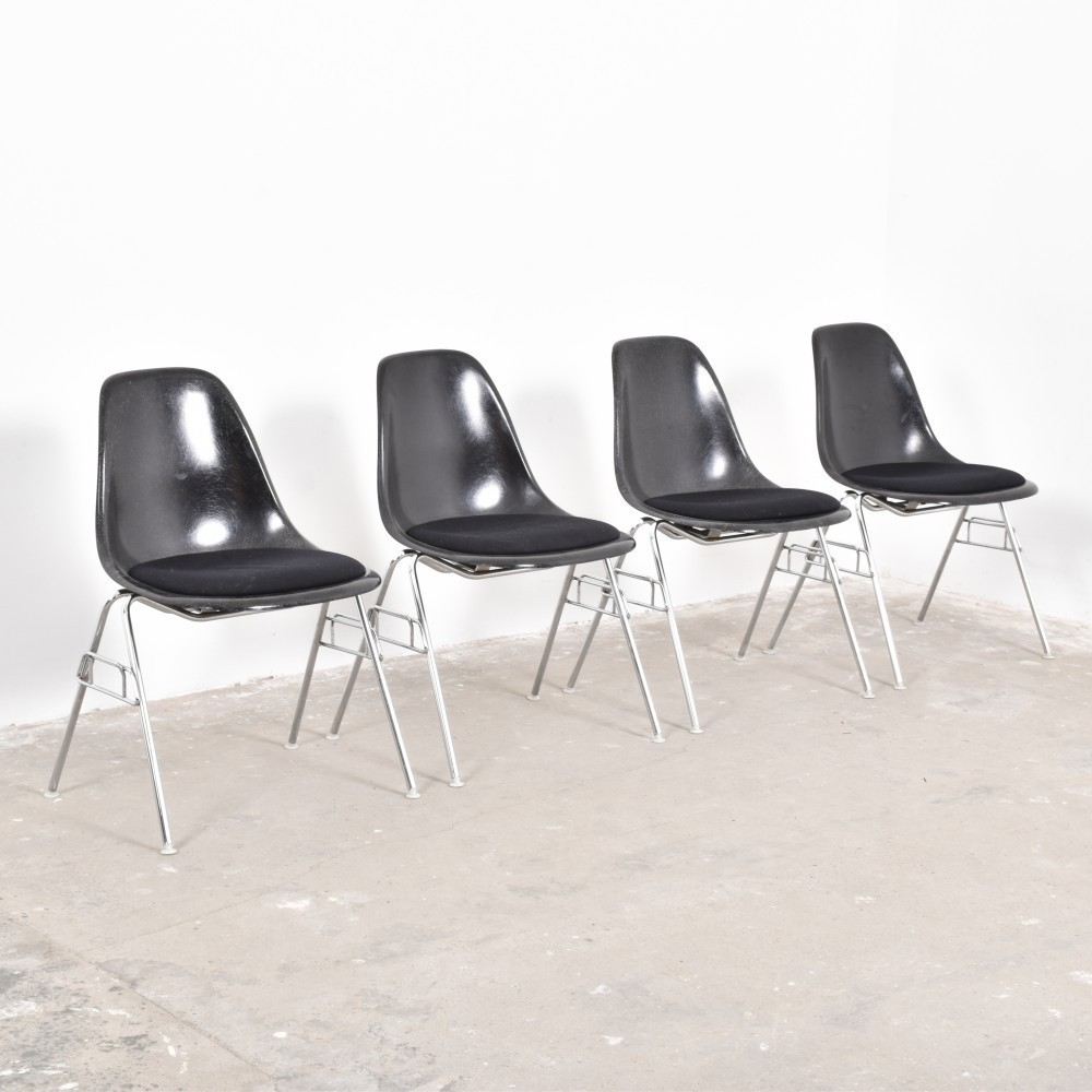 dss stacking shell dinner chair by charles and ray eames for herman miller 51607. Black Bedroom Furniture Sets. Home Design Ideas