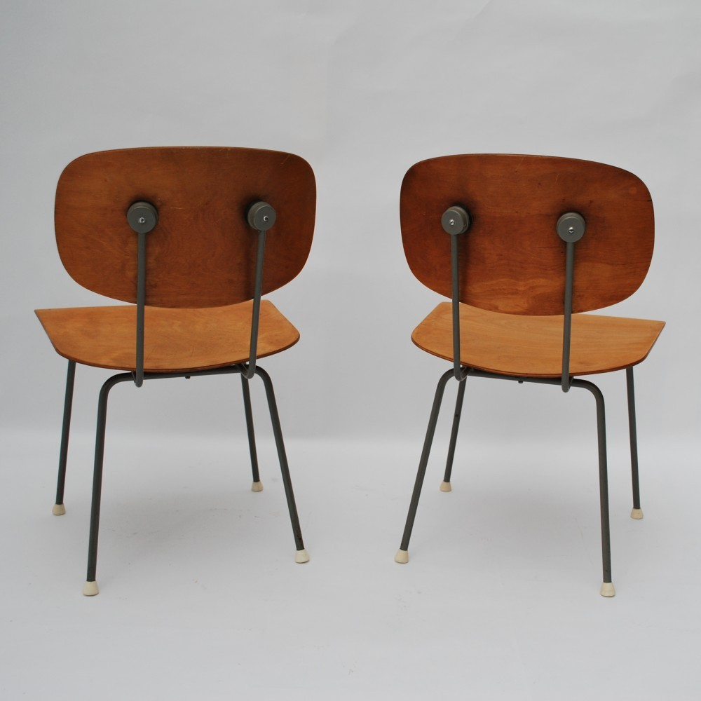 Pair of model 116 dinner chairs by Wim Rietveld for Gispen