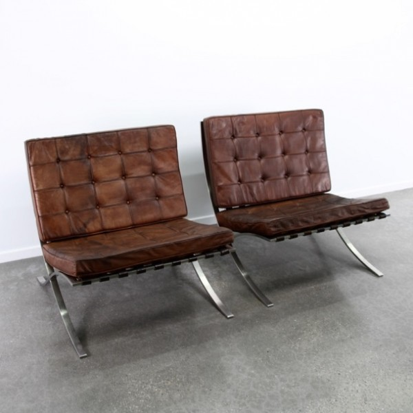2 x barcelona lounge chair by ludwig mies van der rohe for knoll