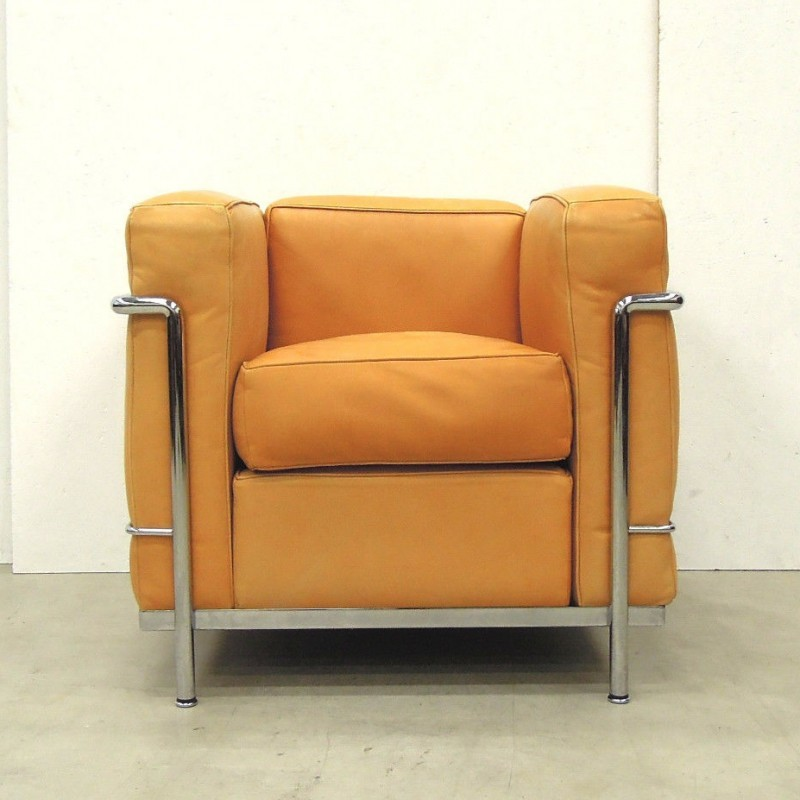 Lc2 arm chair by le corbusier for cassina