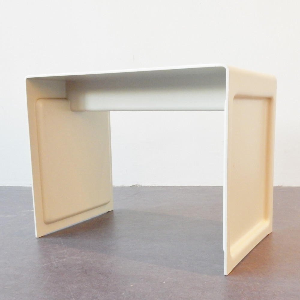 Model 621 Side Table from the sixties by Dieter Rams for Vitsoe