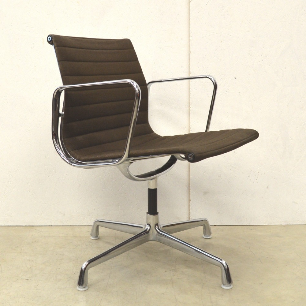 ea108 office chair by charles and ray eames for herman miller. Black Bedroom Furniture Sets. Home Design Ideas