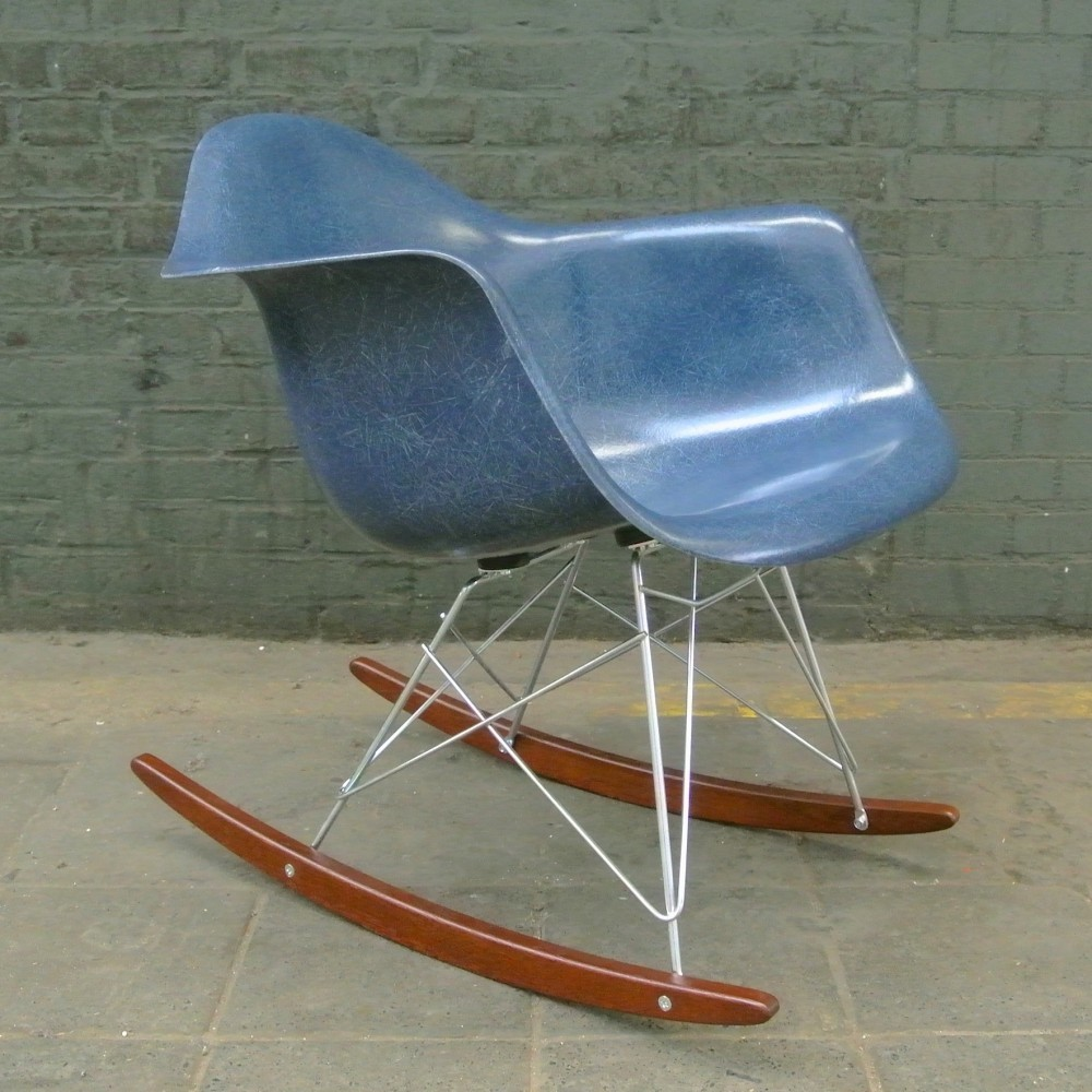Merveilleux RAR Navy Blue Rocking Chair By Charles U0026 Ray Eames For Herman Miller, 1950s