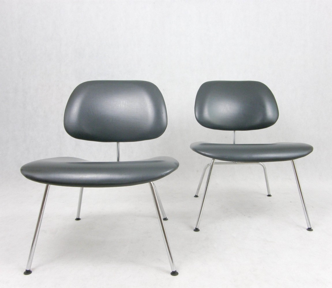 pair of lcm lounge chairs by charles ray eames for. Black Bedroom Furniture Sets. Home Design Ideas