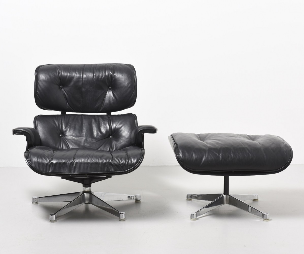 Lounge chair ottoman from the fifties designed by for Charles eames lounge chair nachbildung