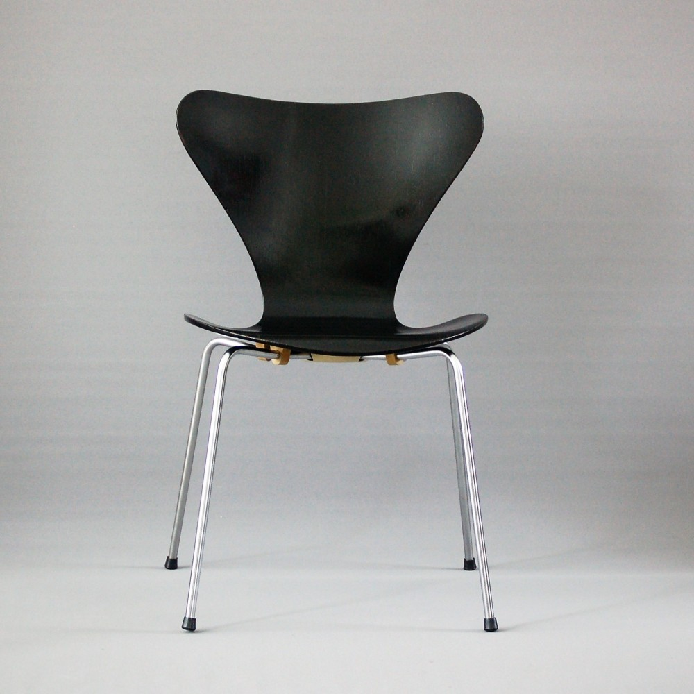 model 3107 dinner chair by arne jacobsen for fritz hansen 1960s 57357. Black Bedroom Furniture Sets. Home Design Ideas