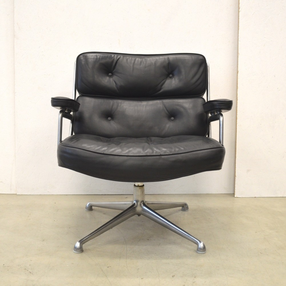 es105 lobby office chair by charles u0026 ray eames for herman miller 1960s