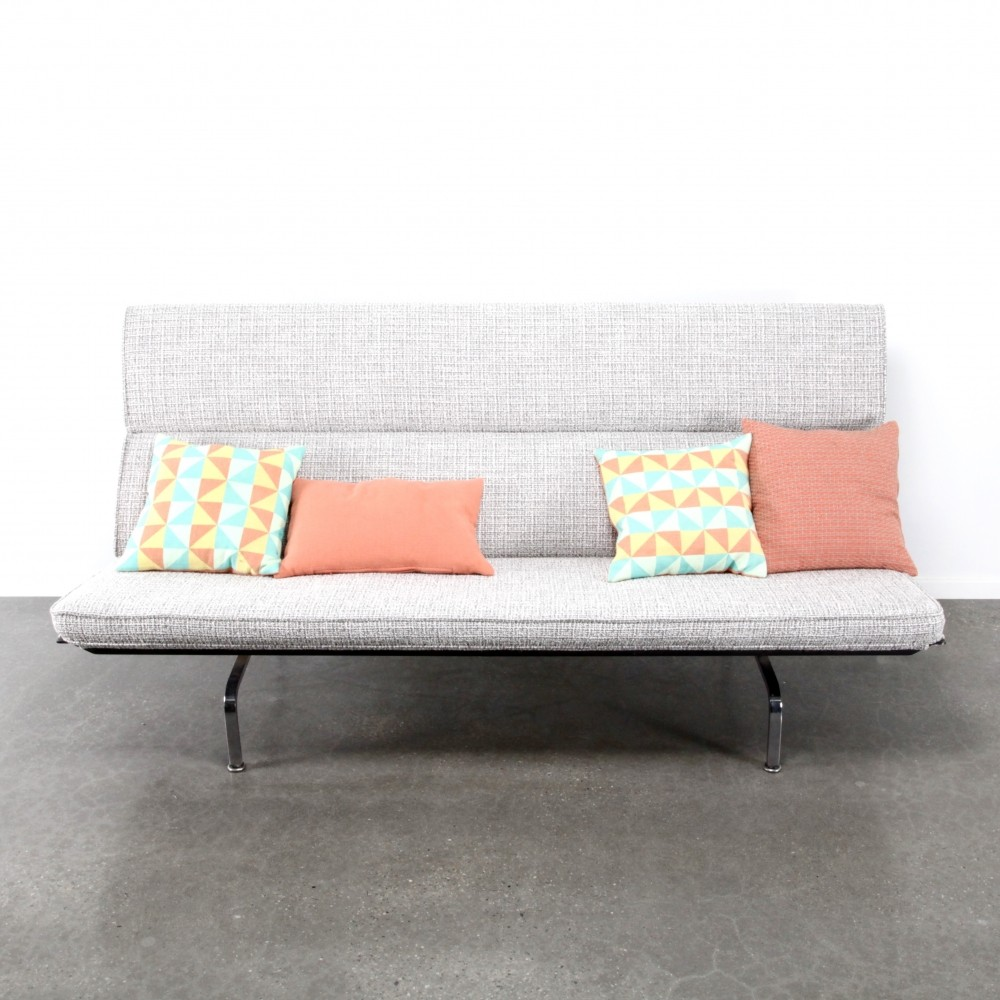 Compact sofa by charles ray eames for herman miller for Design stuhl replik