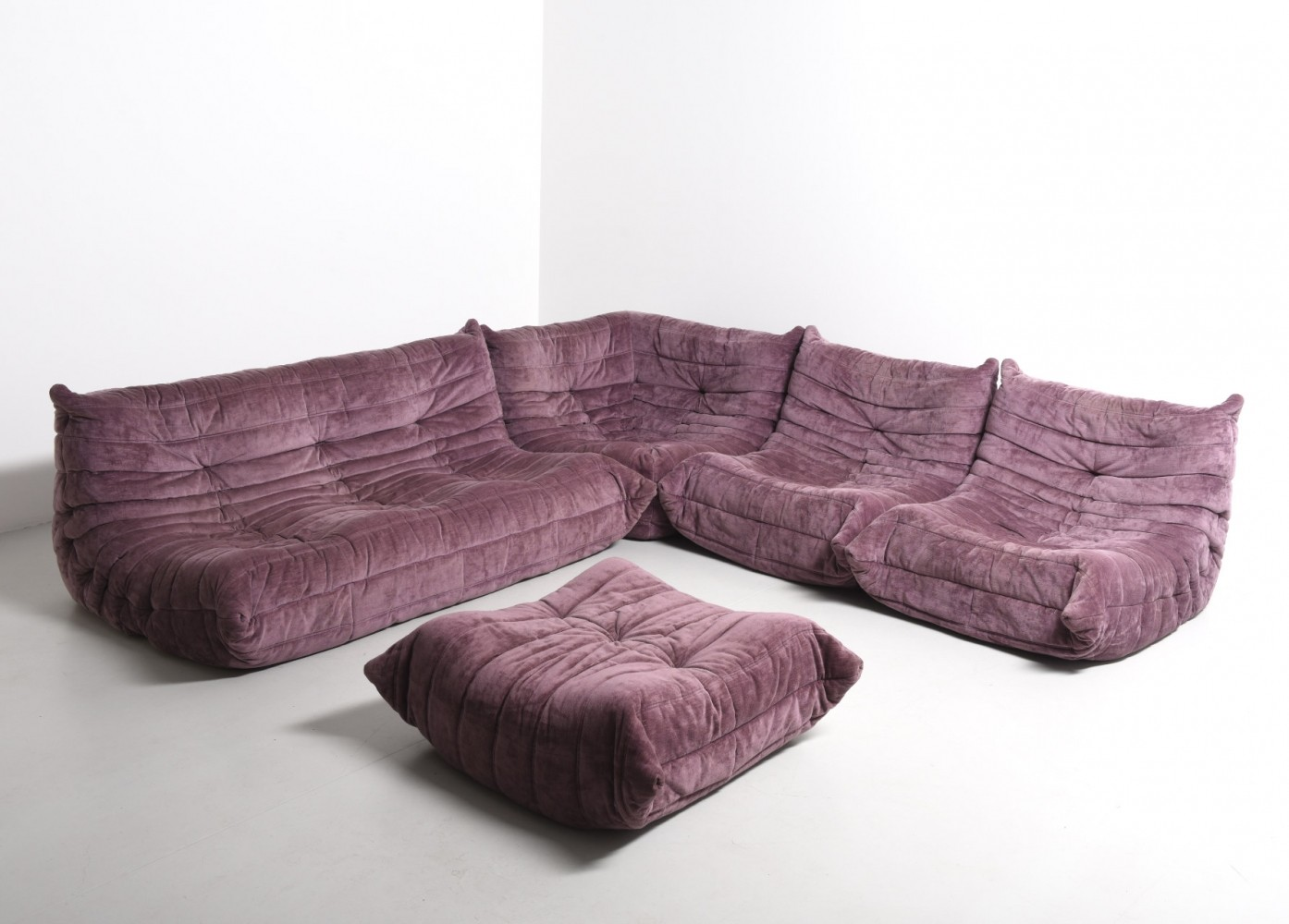 lilac togo seating group by michel ducaroy for ligne roset. Black Bedroom Furniture Sets. Home Design Ideas