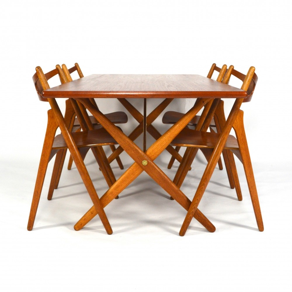 AT 303 Sawbuck dinner set by Hans Wegner for Carl Hansen & Son