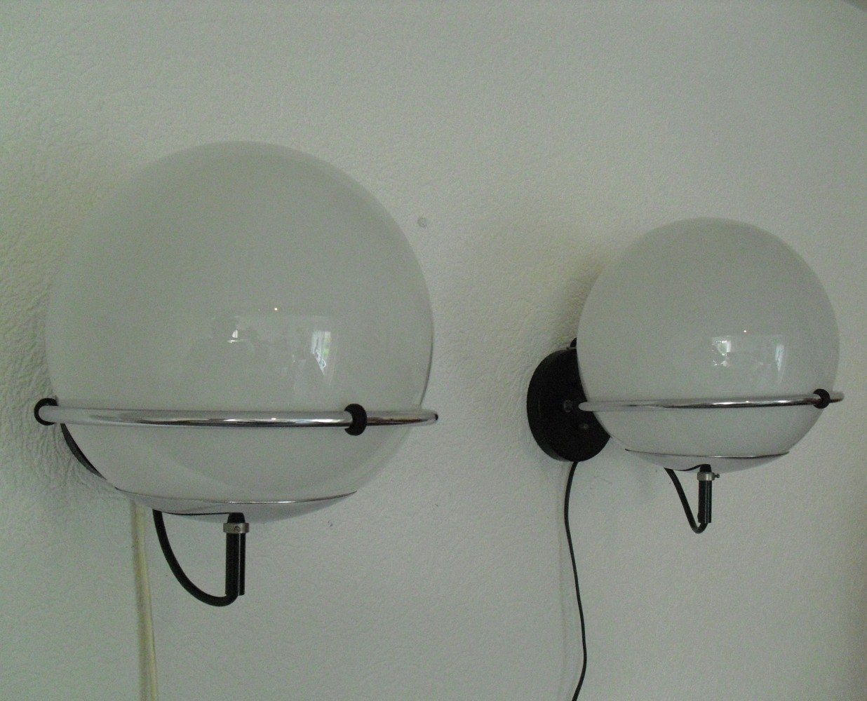 2 Globe / C-1751 wall lamps from the sixties by Frank Ligtelijn for Raak Amsterdam #58705