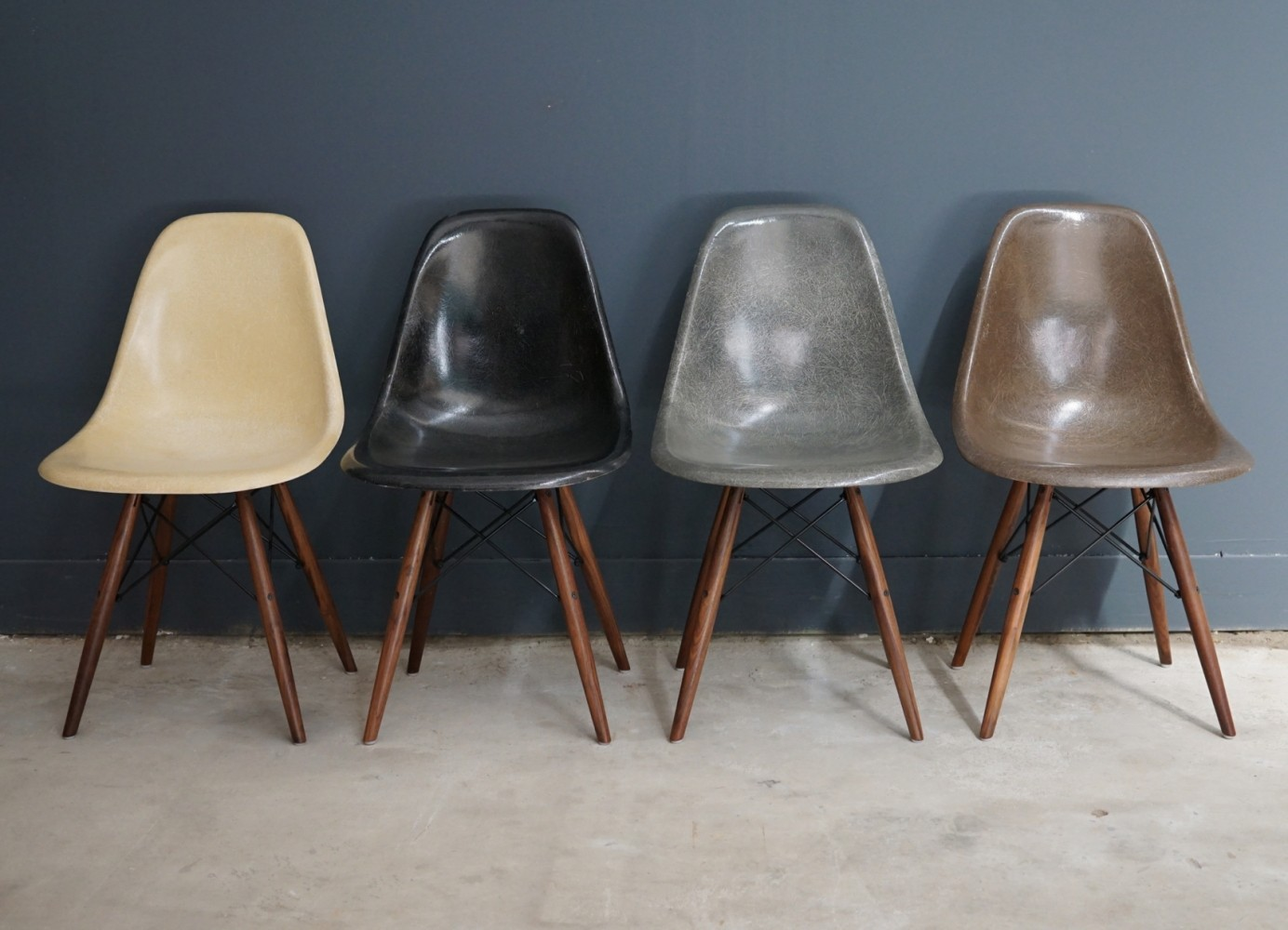 ray eames furniture. set of 4 dsw dinner chairs by charles u0026 ray eames for herman miller 1960s furniture a