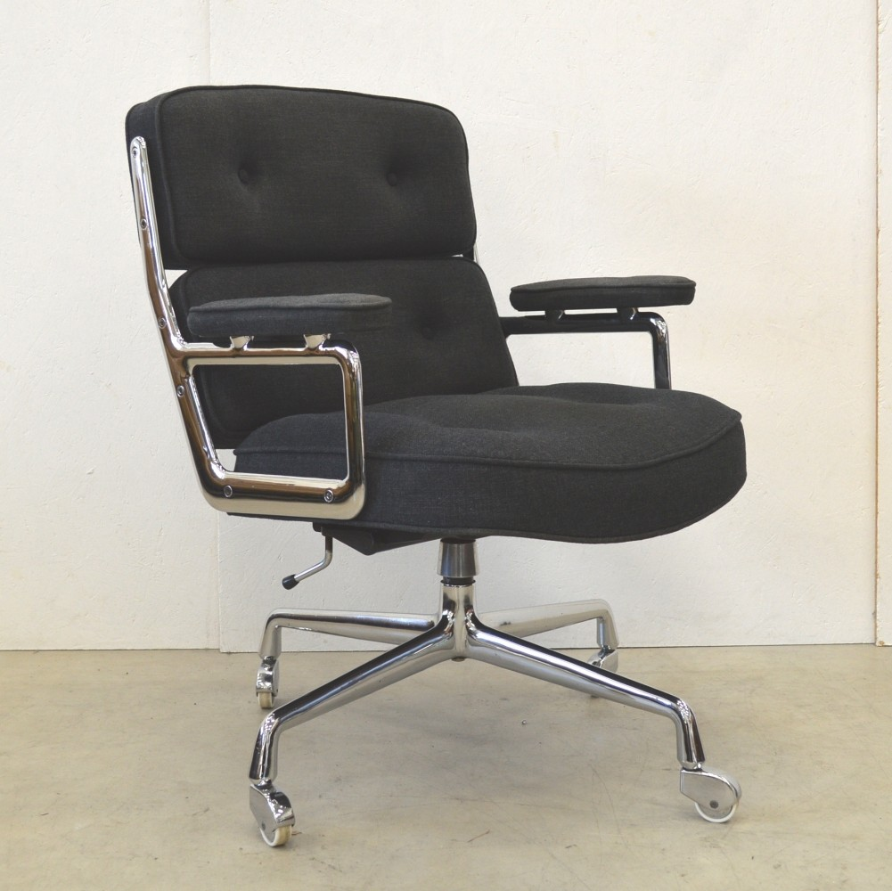 es104 lobby office chair from the seventies by charles ray eames for herman miller 60246. Black Bedroom Furniture Sets. Home Design Ideas