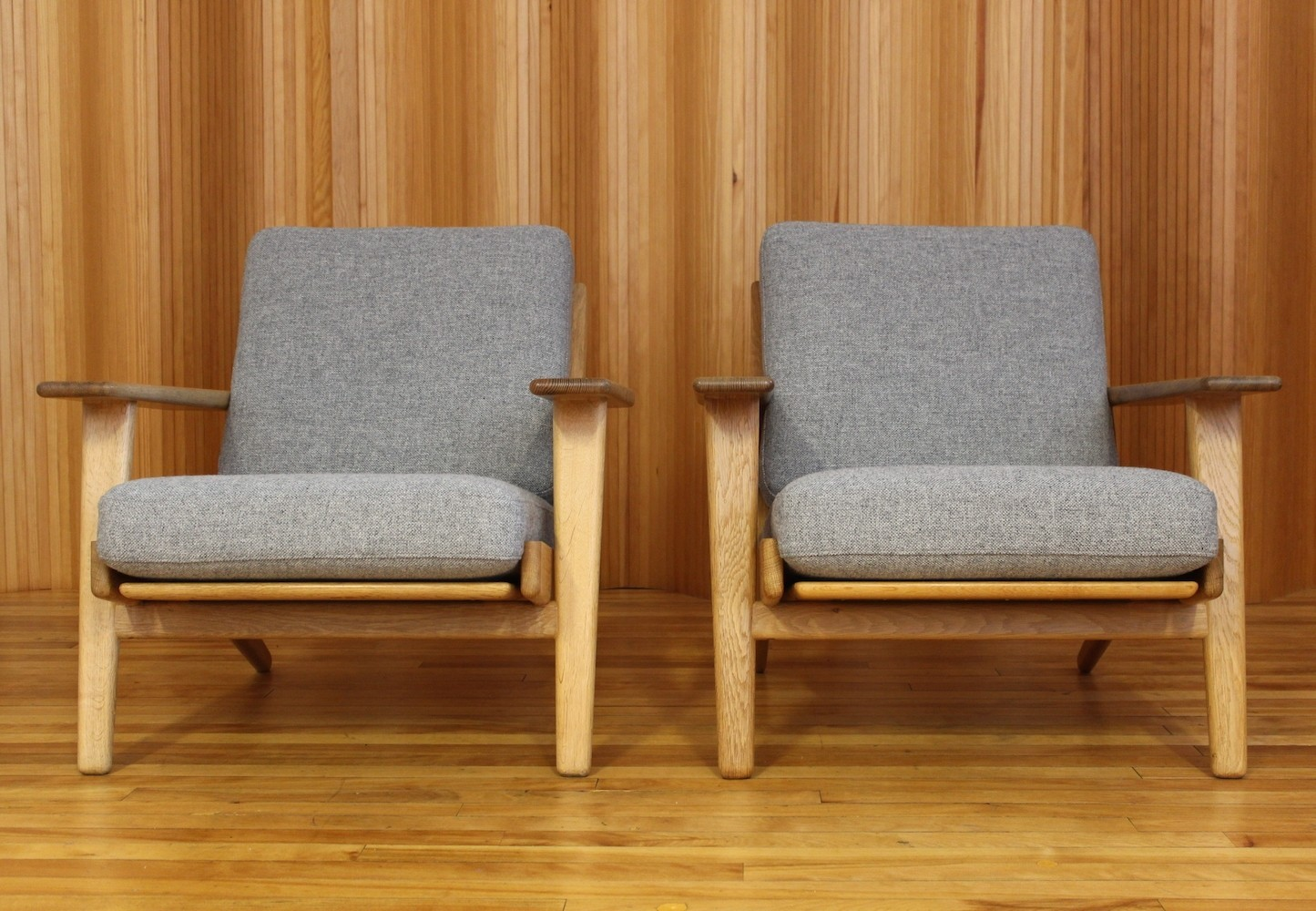 Pair of GE290 lounge chairs by Hans Wegner for Getama, 1950s