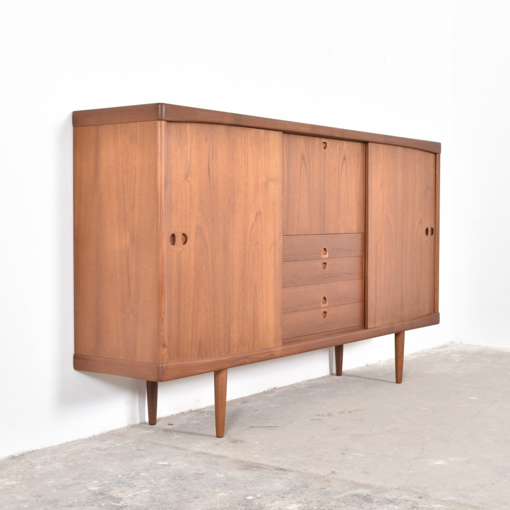 sideboard from the fifties by henry w klein for bramin. Black Bedroom Furniture Sets. Home Design Ideas