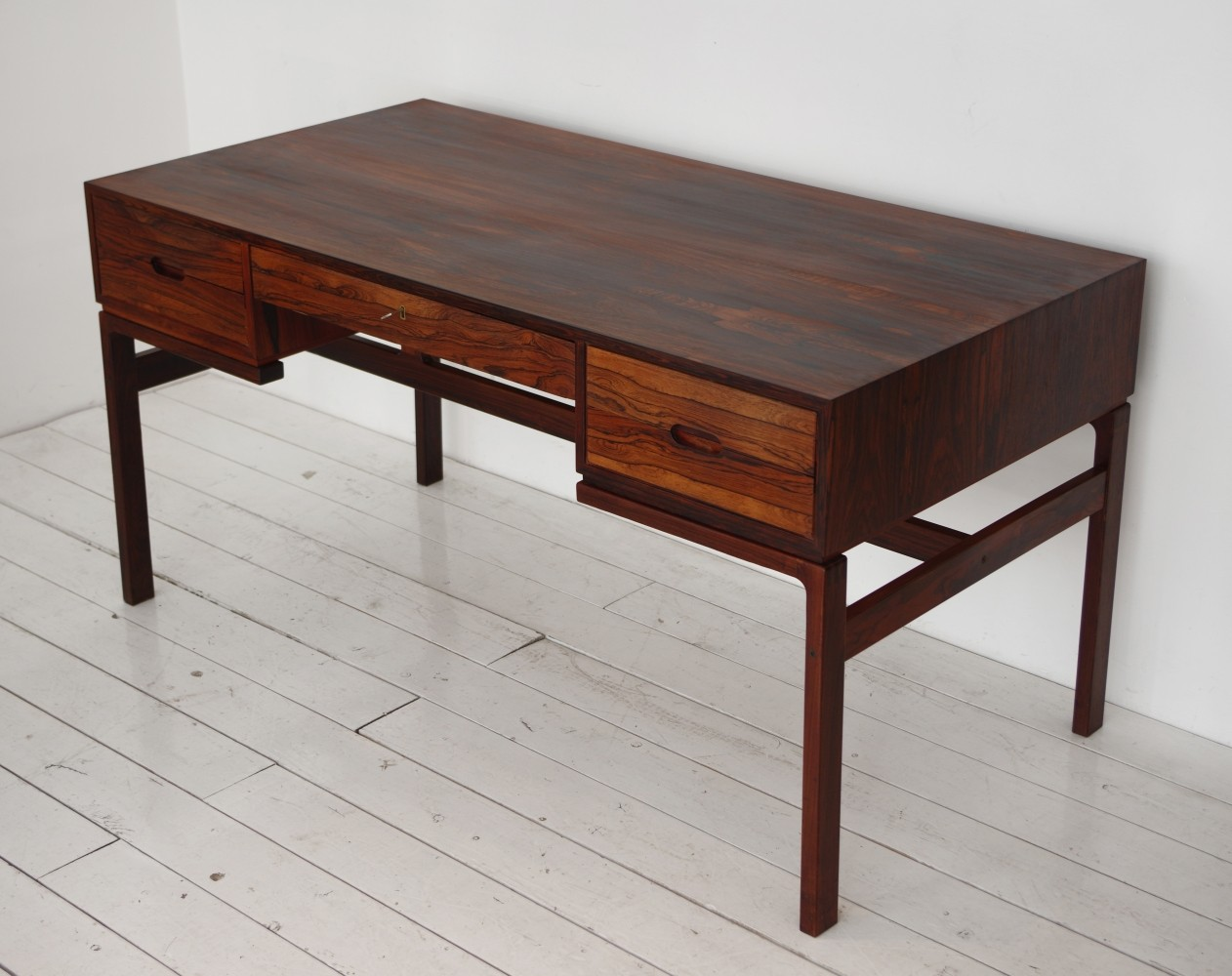 Rosewood Model 80 Writing Desk from the fifties by Arne Wahl Iversen for Vinde Møbelfabrik