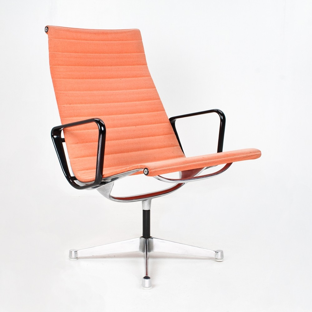 Ea116 lounge chair from the sixties by charles ray eames for Charles eames lounge chair nachbildung